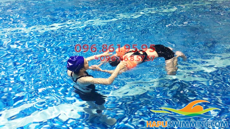 Đăng ký học bơi cho người lớn ở bể bơi Hapulico hè 2019