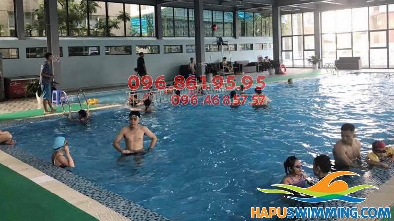 Học bơi kèm riêng chất lượng tại bể bơi Nemo Khuất Duy Tiến