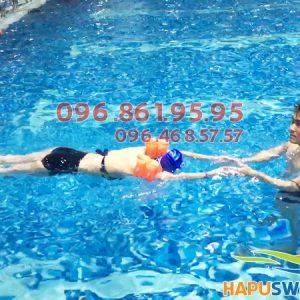 Bể bơi nước mặn Hapulico nước trong xanh đến tận đáy - địa chỉ học bơi lý tưởng cho trẻ em và người lớn