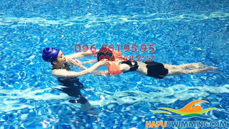 Trung tâm dạy bơi chuyên nghiệp bể Hapulico hè 2018, cam kết bơi thành thạo