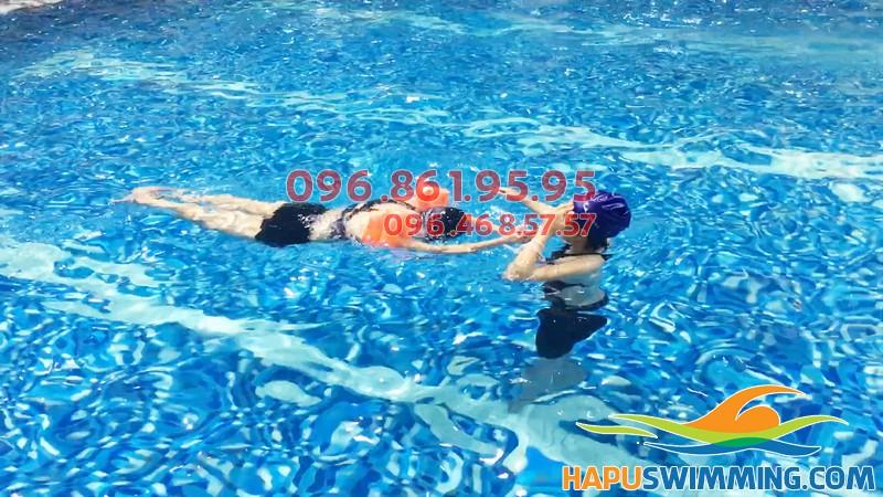 Lớp học bơi cho người lớn ở Hà Nội, cam kết 100% biết bơi thành thạo