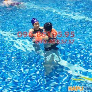 Học bơi ở bể bơi bốn mùa Hapulico giá rẻ nhất hè 2018