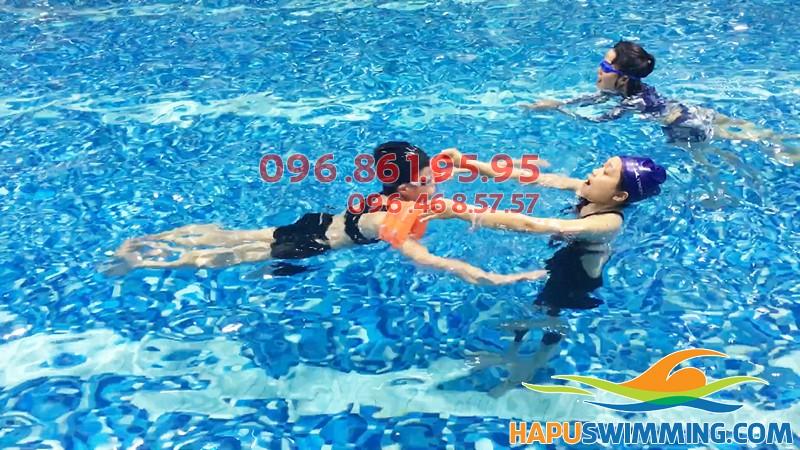 Học phí học bơi bể Hapulico hè 2019 - Giá học bơi ở Hà Nội