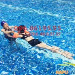 Học bơi cùng giáo viên nữ tại Hapulico, học viên được chủ động sắp xếp lịch học của mình phù hợp nhất