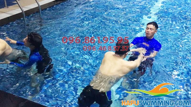 Lớp học bơi bể bơi Hapulico 2018: thông tin học phí, lịch học, nội dung...