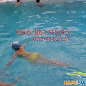 Học bơi kèm riêng giá rẻ tại bể bơi Bảo Sơn