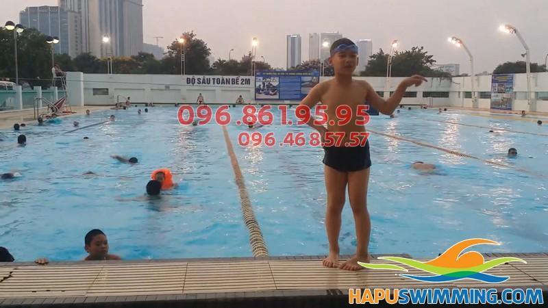 Bể bơi Mỹ Đình -Địa chỉ học bơi cực tuyệt vời cho bé