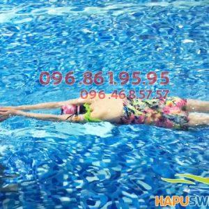 Học bơi kèm riêng cực chất lượng tại bể nước mặn Hapulico