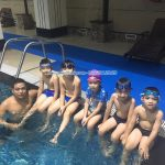 Bày cách để con có buổi học bơi đầu tiên suôn sẻ!