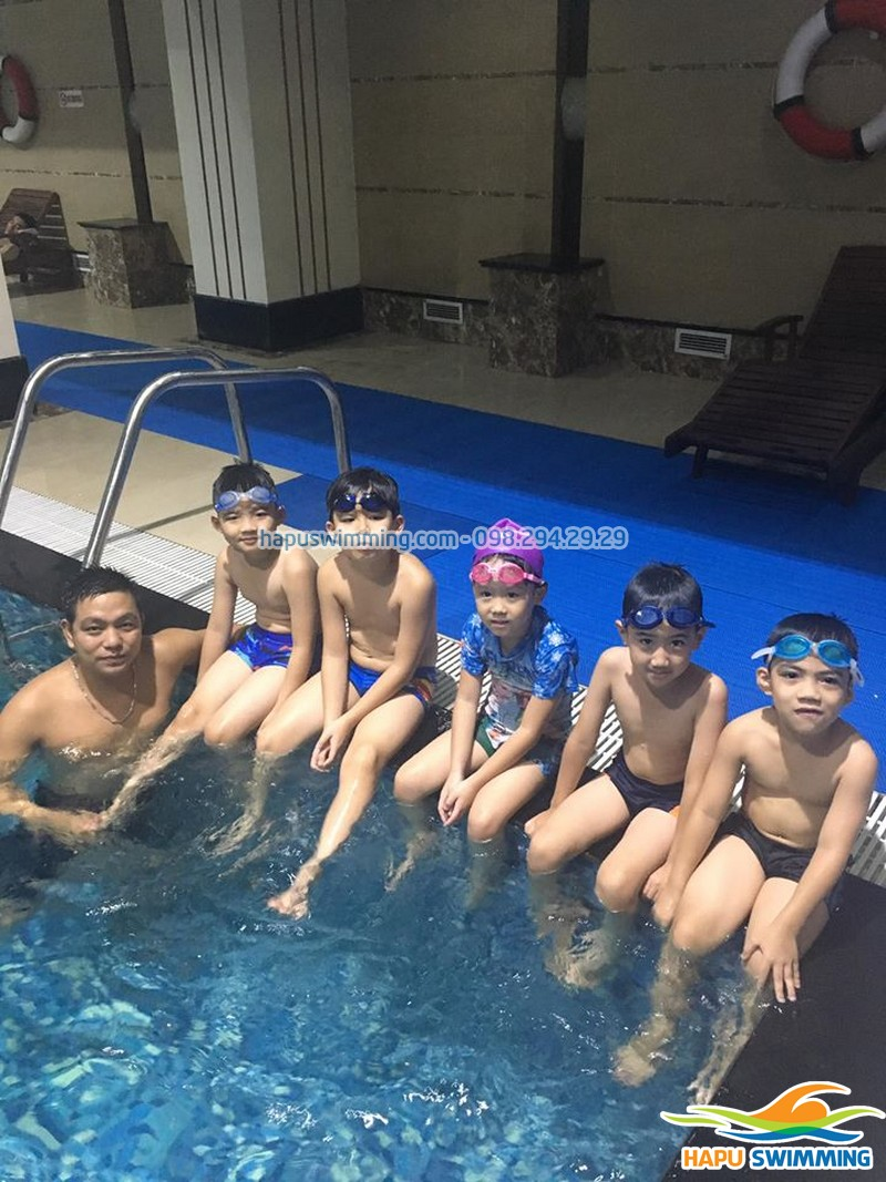 Độ tuổi cho trẻ học bơi tốt nhất - cha mẹ nên biết!