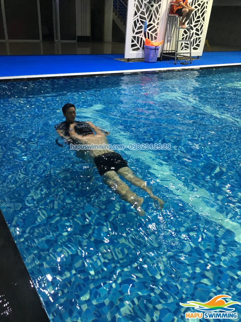 Lớp học bơi người lớn ở Hapulico đăng ký nhanh trong vòng 1 nốt nhạc!