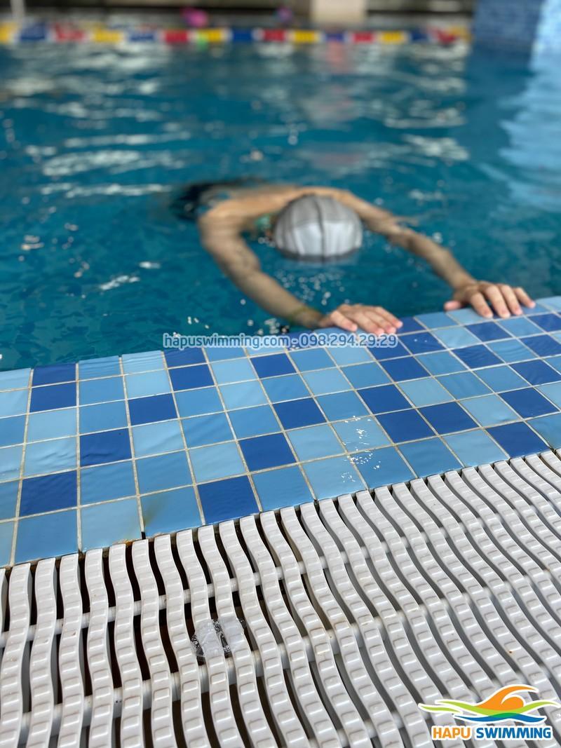 Học bơi như Vip tại bể bơi The Legend Nguyễn Tuân, Thanh Xuân, Hà Nội