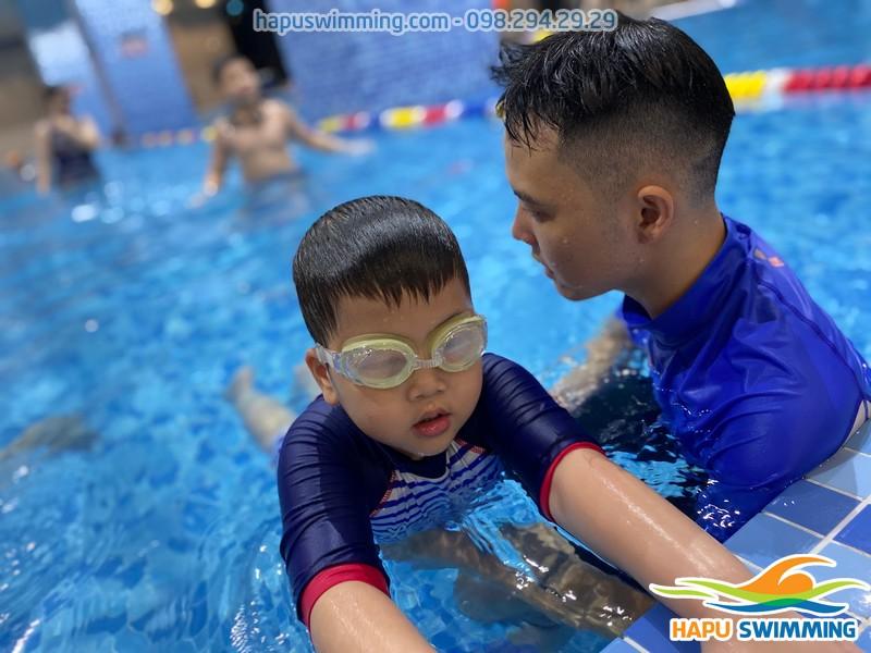 Học bơi tại Hà Nội cùng đội ngũ giáo viên giỏi nhất