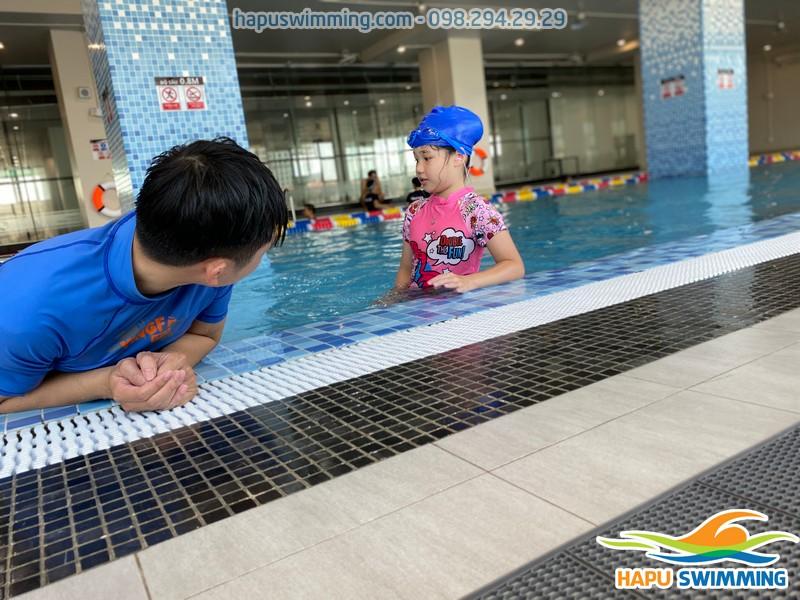 Dạy bơi kèm riêng cho bé tại bể The legend Pool chất lượng, hiệu quả