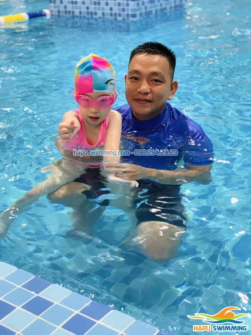 Dạy học bơi giá rẻ tại bể bơi Bảo Sơn