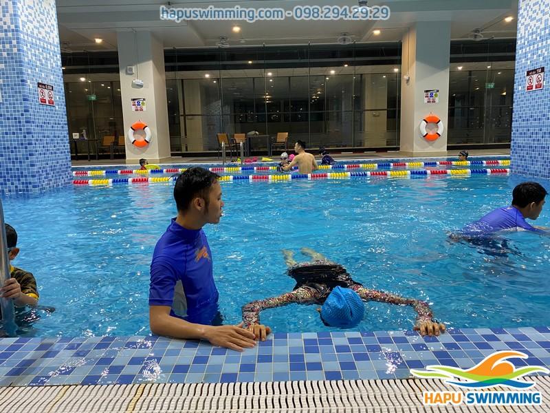 100% lớp học bơi được tổ chức với hình thức dạy kèm riêng
